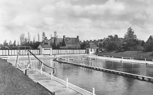 1957 zoutwaterzwembad loppersum -1957